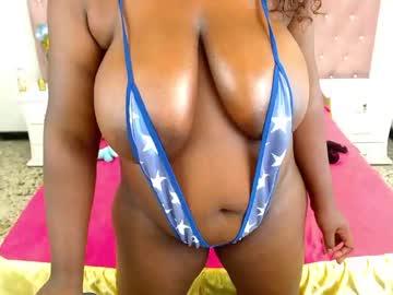 mia_chanel_